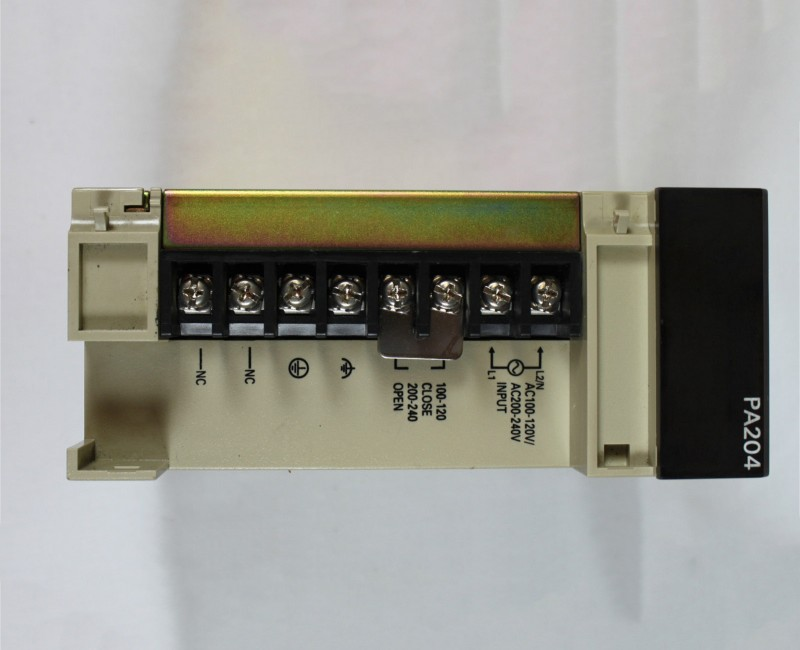 New and original Omron  PLC C200H-PA204